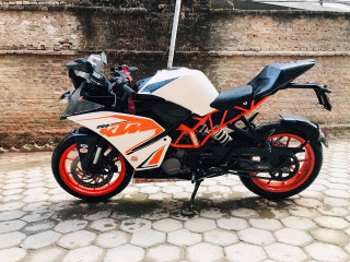 Ktm Rc 200 on urgent sale