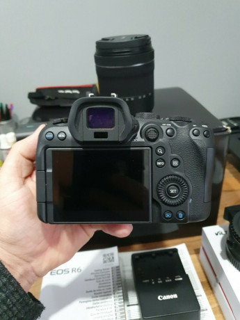 canon-eos-r6-201-mp-with-24-105mm-lens-big-0